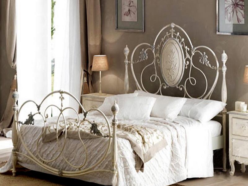 Кованая кровать N 10659