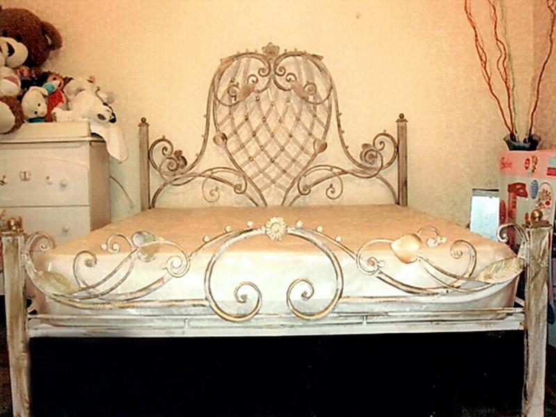 Кованая кровать N 10660