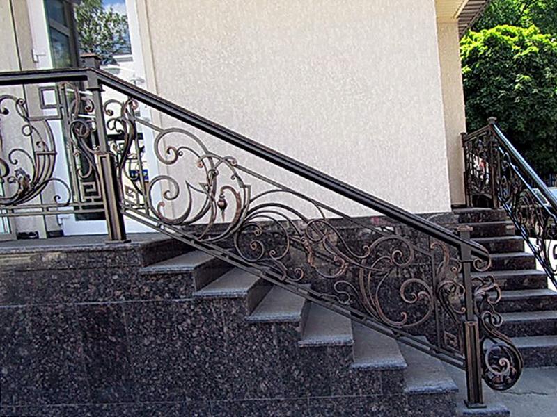 Кованые лестничные ограждения N 4-4009