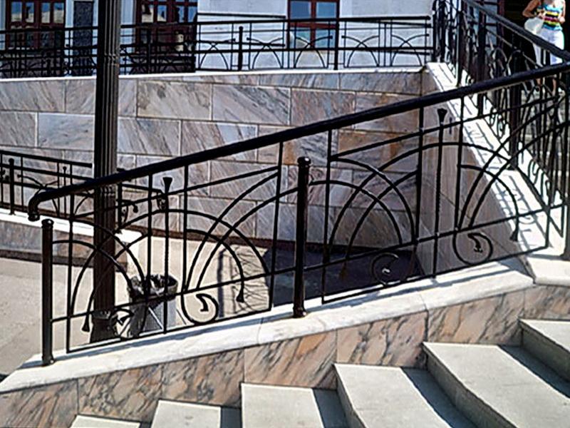 Кованые лестничные ограждения N 4-4019