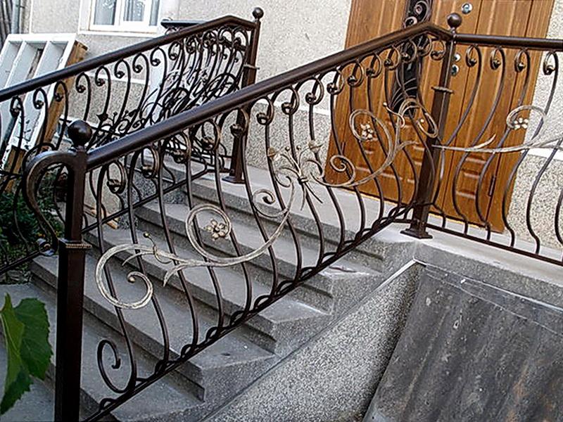 Кованые лестничные ограждения N 4-4022