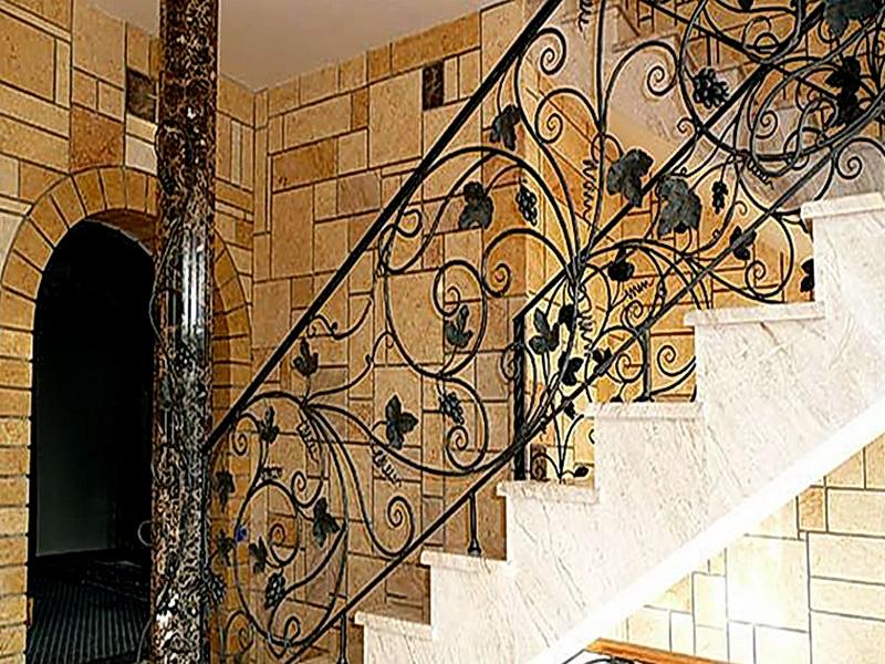 Кованые лестничные ограждения N 4-4058