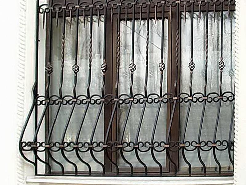Кованые оконные решетки N 7076