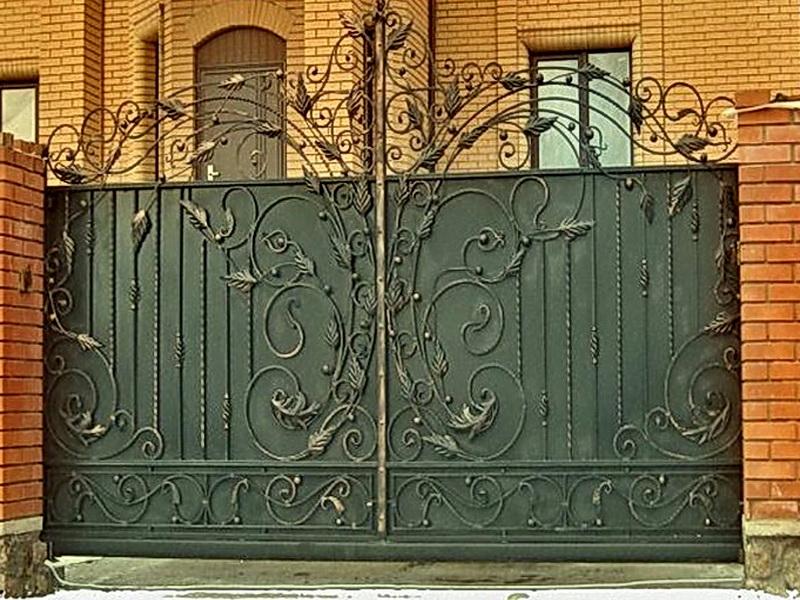 Кованые откатные ворота N 1-1010