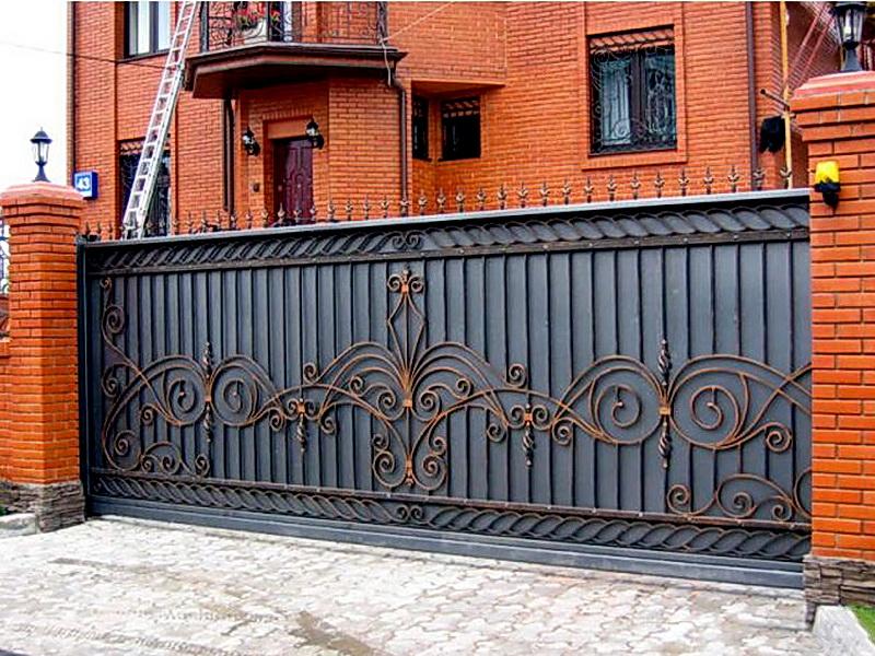 Кованые откатные ворота N 1-1012