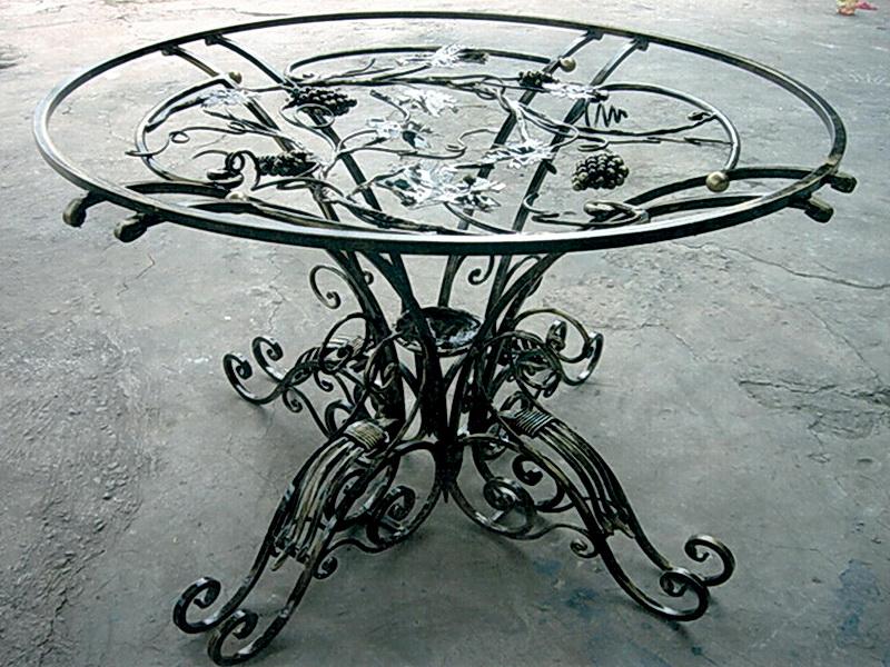 Кованый стол N 10808