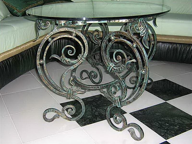 Кованый стол N 10811