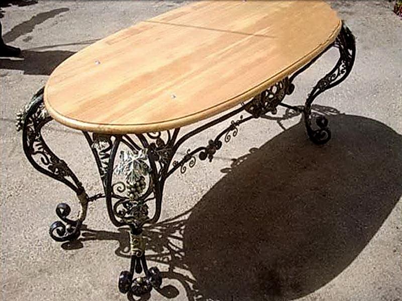 Кованый стол N 10815