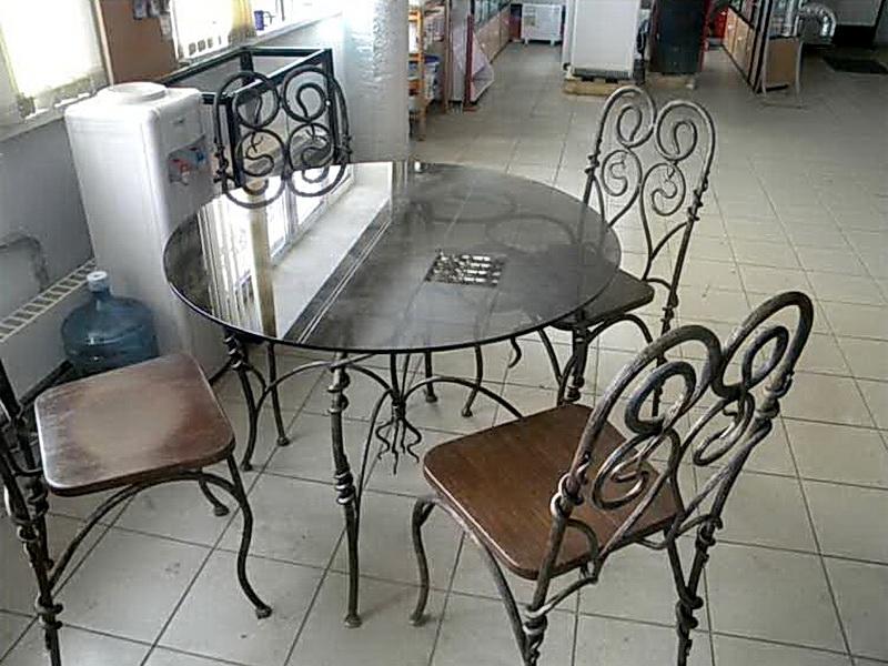 Кованый стол N 10819