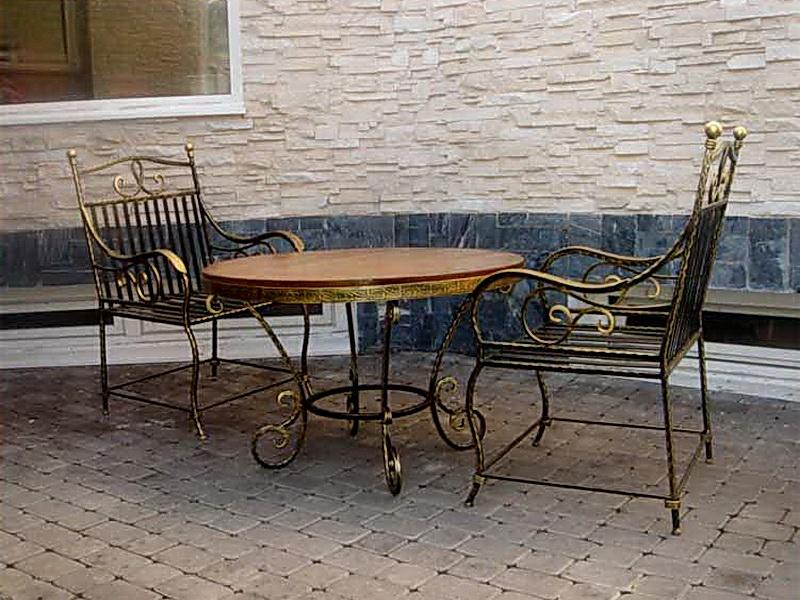 Кованый стол N 10823
