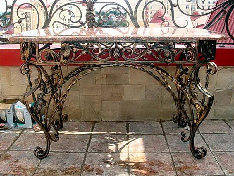Кованый стол N 10825