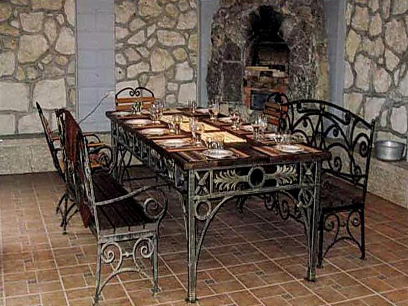 Кованый стол N 10828