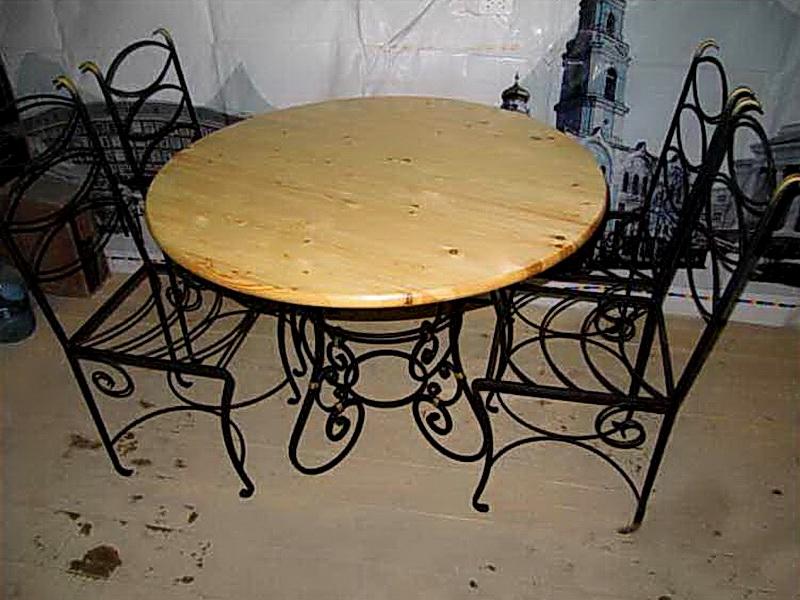 Кованый стол N 10832