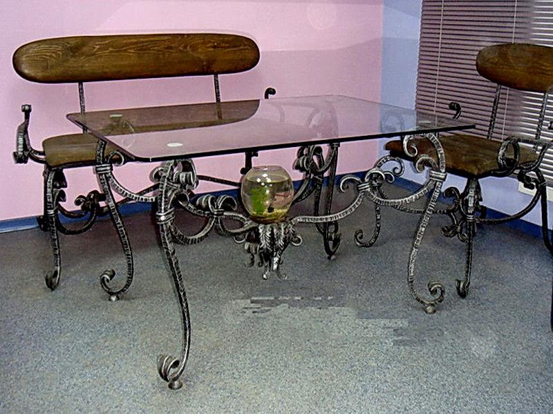 Кованый стол N 10839