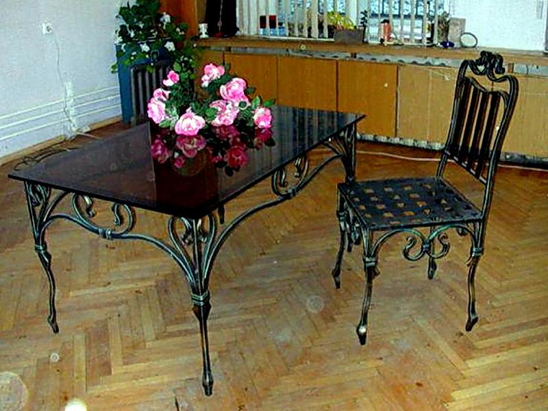 Кованый стол N 10840