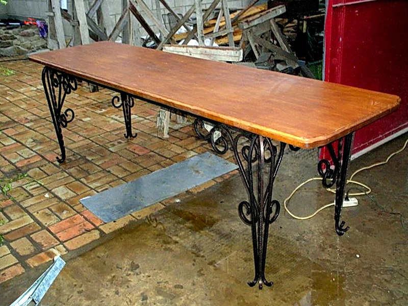 Кованый стол N 10843