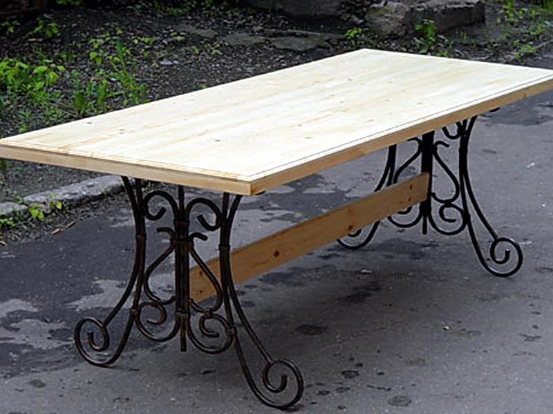 Кованый стол N 10844