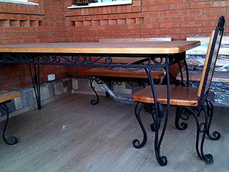 Кованый стол N 10849