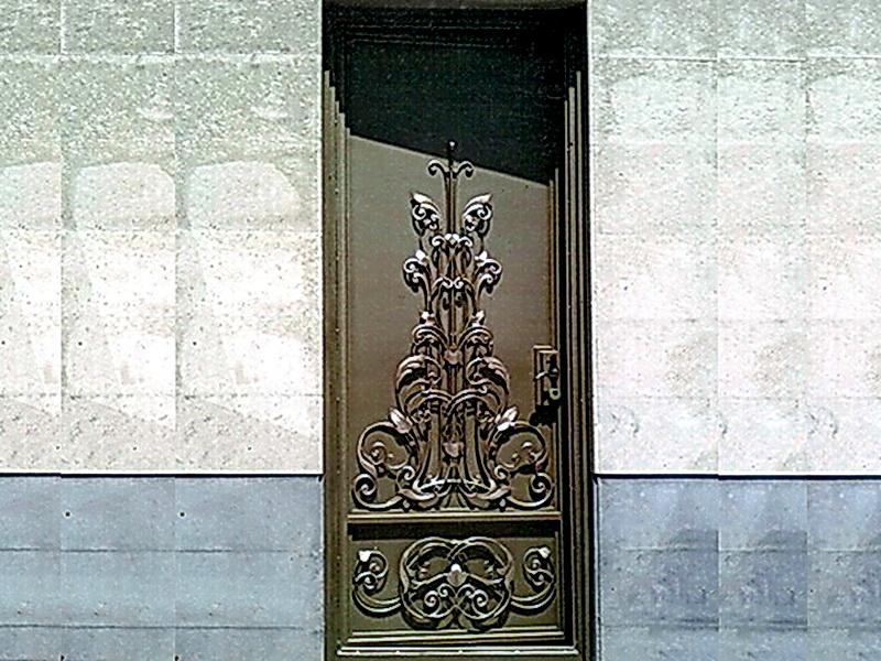 Кованая входная дверь N 2028
