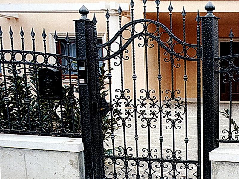 Кованая входная дверь N 2034