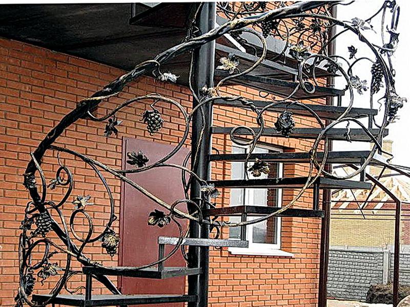 Кованые винтовые лестницы N 3-3515
