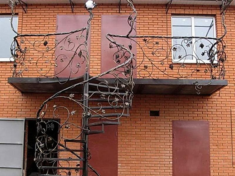 Кованые винтовые лестницы N 3-3525