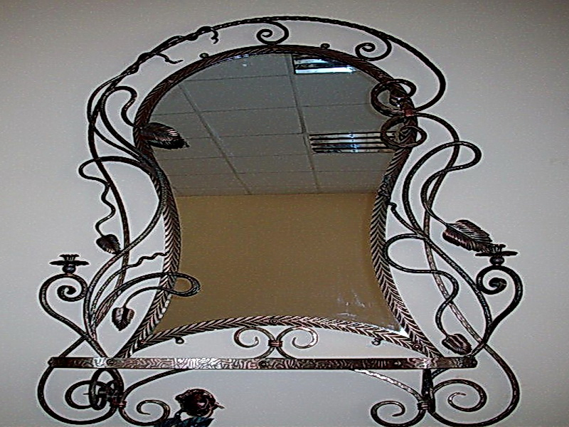 Кованое зеркало N 19002