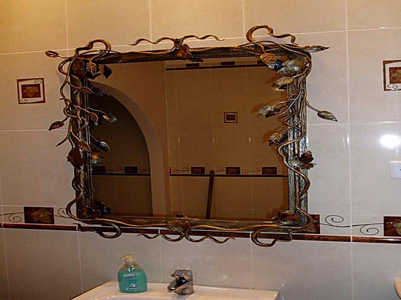 Кованое зеркало N 19005
