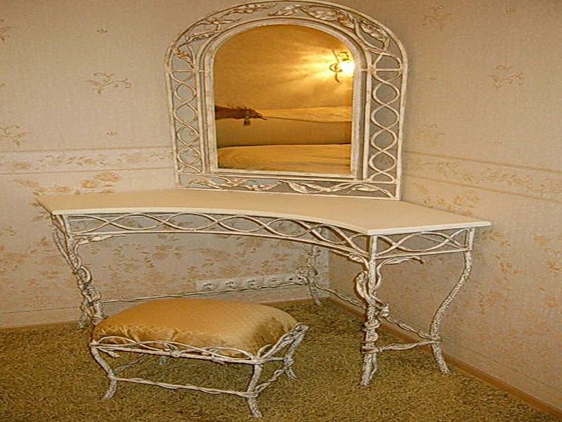 Кованое зеркало N 19017