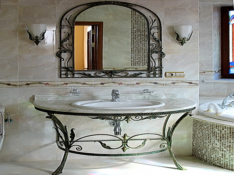 Кованое зеркало N 19021