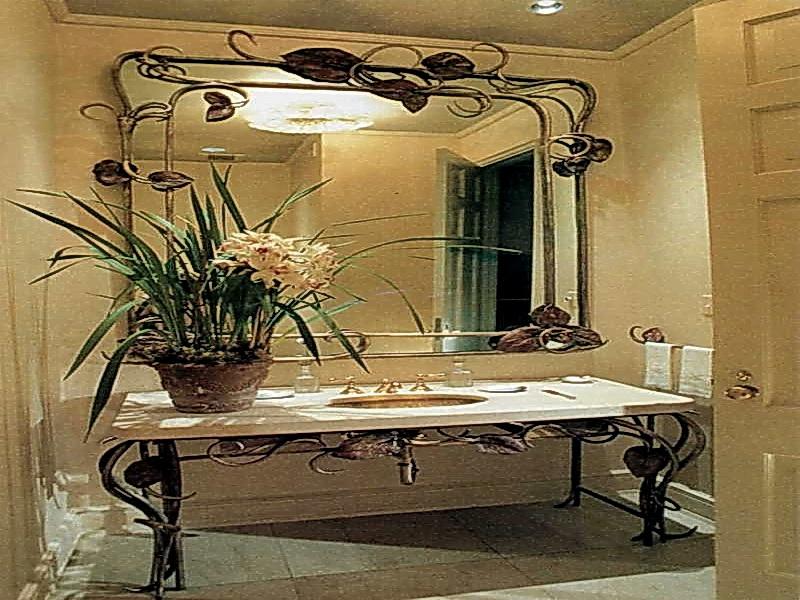 Кованое зеркало N 19022