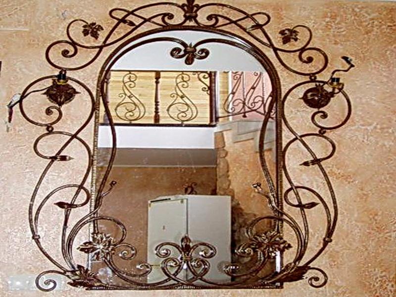 Кованое зеркало N 19023