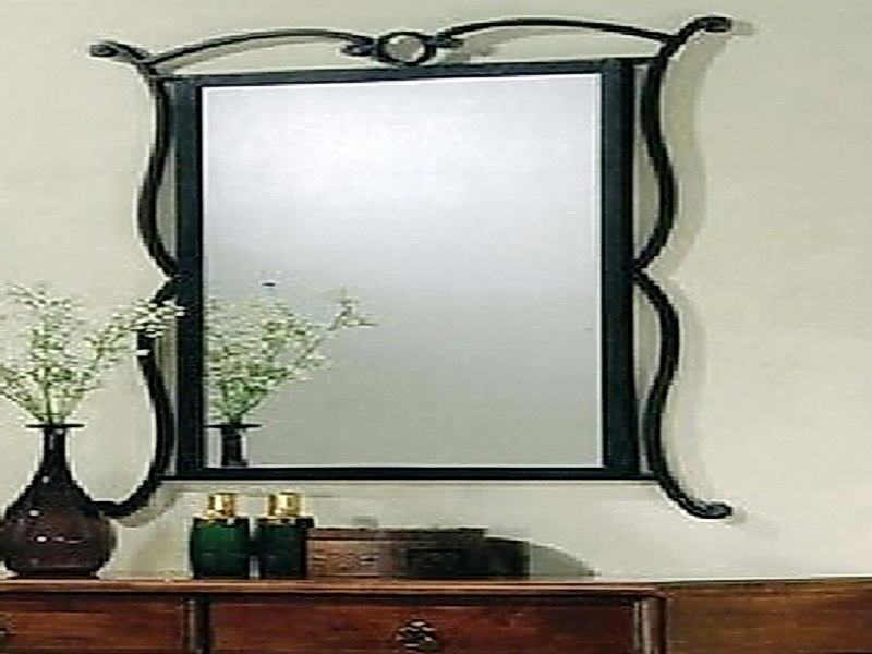 Кованое зеркало N 19029
