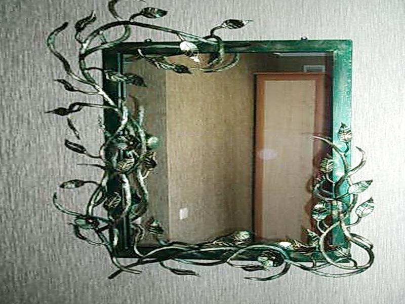 Кованое зеркало N 19032
