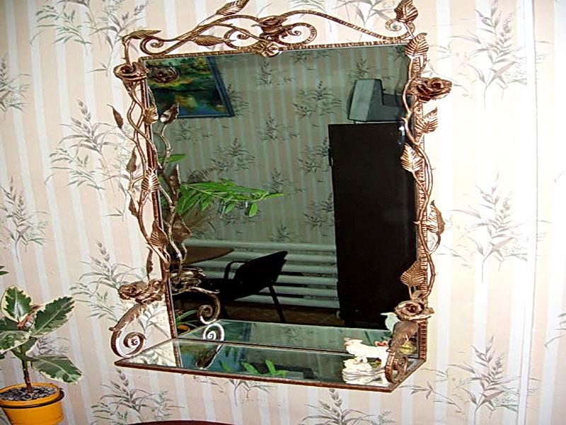 Кованое зеркало N 19037