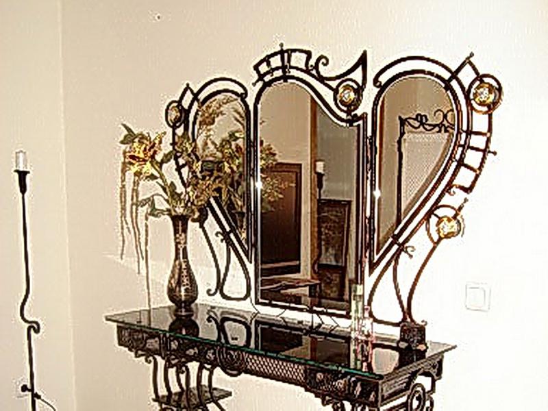 Кованое зеркало N 19038