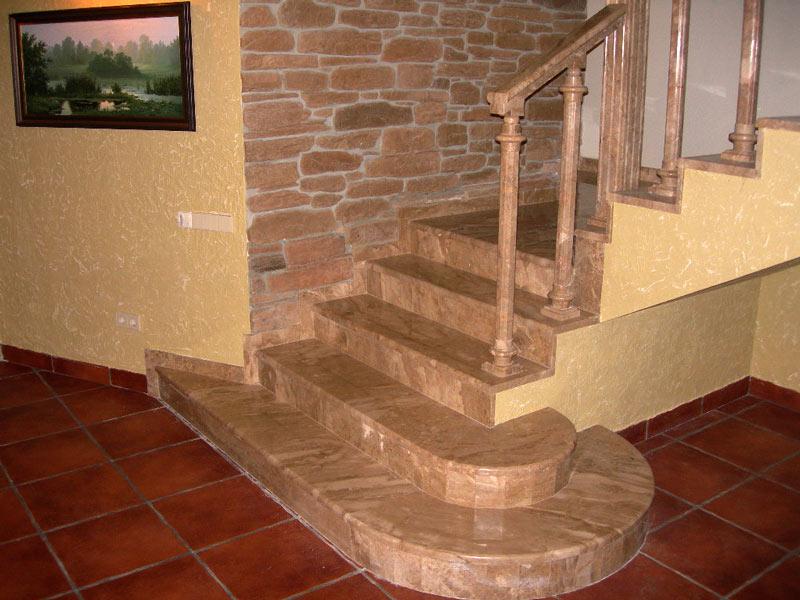Лестница из гранита G 1002