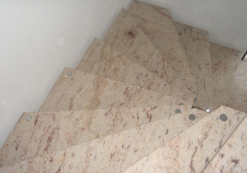 Лестница из гранита G 1006