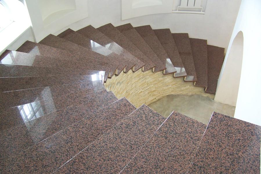 Лестница из гранита G 1010