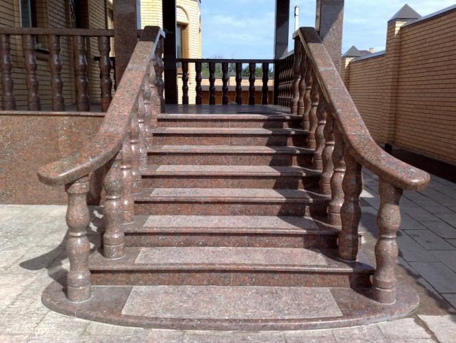 Лестница из гранита G 1016