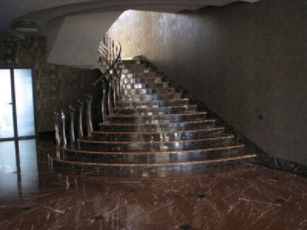 Лестница из гранита G 1018