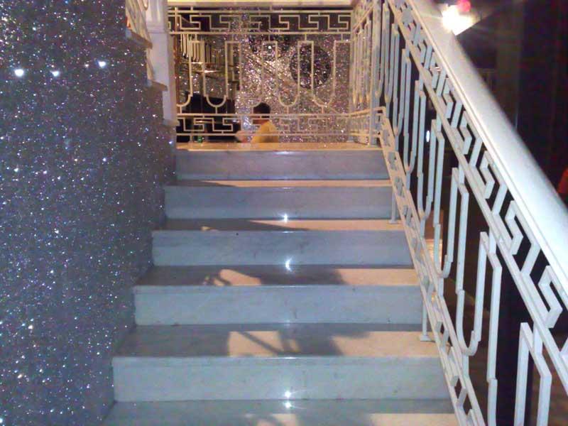 Лестница из камня с элементами ковки К 1030