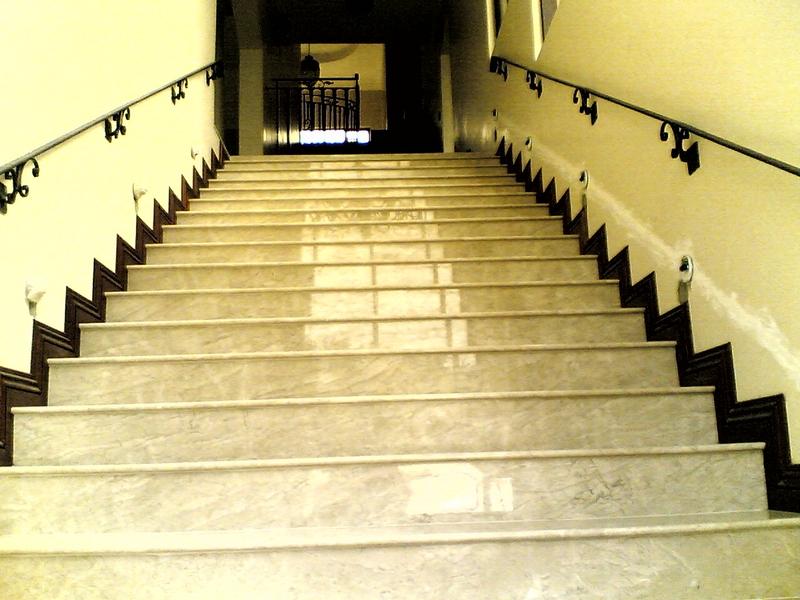 Лестница из мрамора M 1002