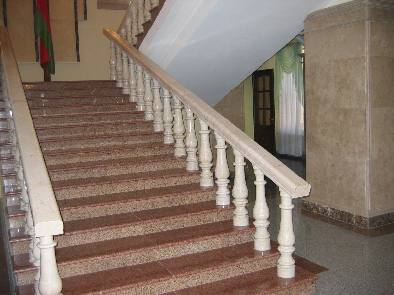 Лестница из мрамора M 1008