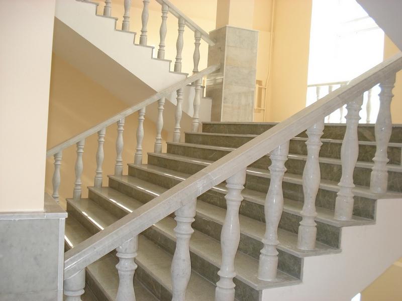 Лестница из мрамора M 1012