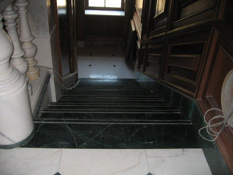 Лестница из мрамора M 1014