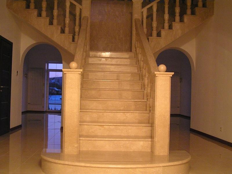 Лестница из мрамора M 1019