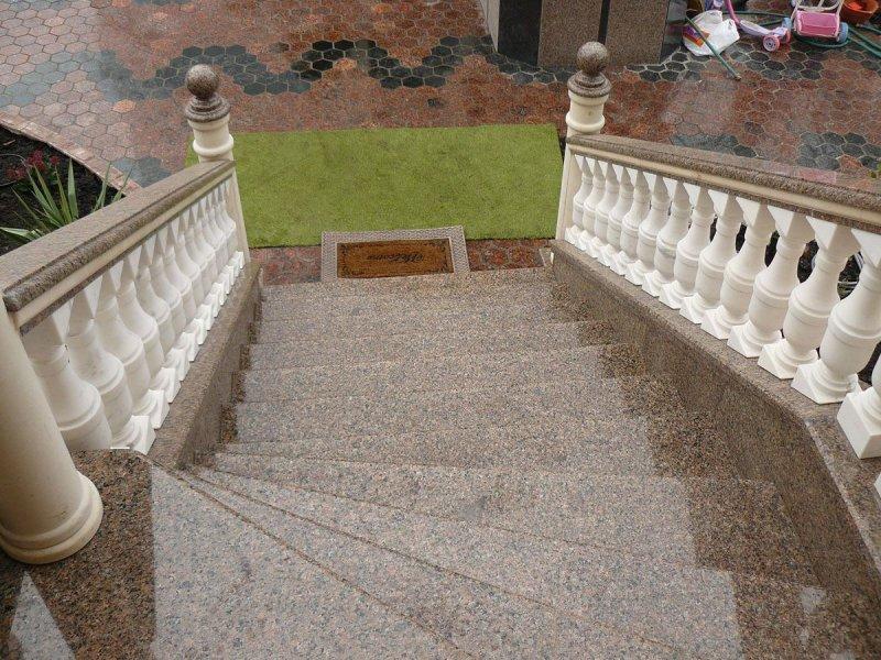 Лестница из мрамора M 1020