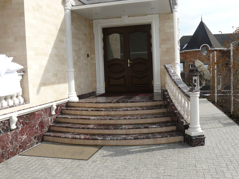 Лестница из мрамора M 1021