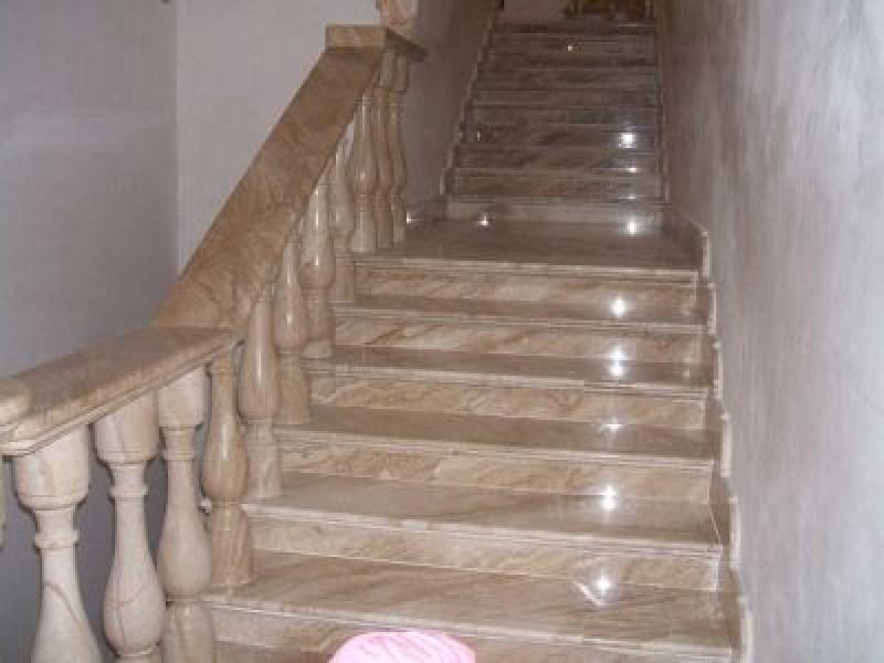 Лестница из мрамора M 1024
